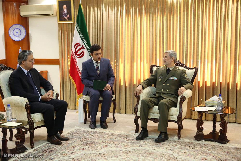 Türk Büyükelçi, İran Savunma Bakanı'yla görüştü