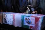 حضور رهبر انقلاب در کنار پیکر مطهر شهید محسن حججی