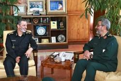 حضور فرمانده کل ارتش و رییس سازمان بسیج در اردوی جهادی