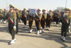 لحظه ورود پیکر شهید حججی به فرودگاه بدر اصفهان