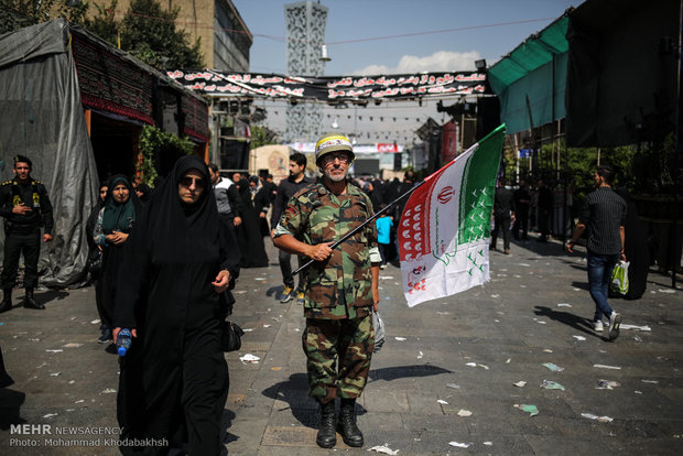 مراسم تشييع الشهيد الذبيح حججي في طهران (2)