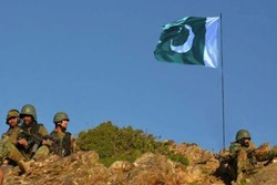 Pakistan deploys military troops on border with Afghanistan