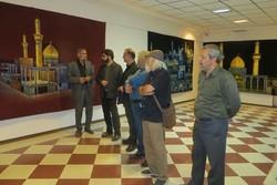 نمایشگاه پردهها و پرچمهای عاشورایی در حوزه هنری یزد