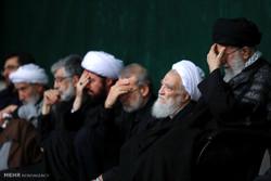 إحياء ليلة عاشوراء بحضور قائد الثورة الاسلامية /صور