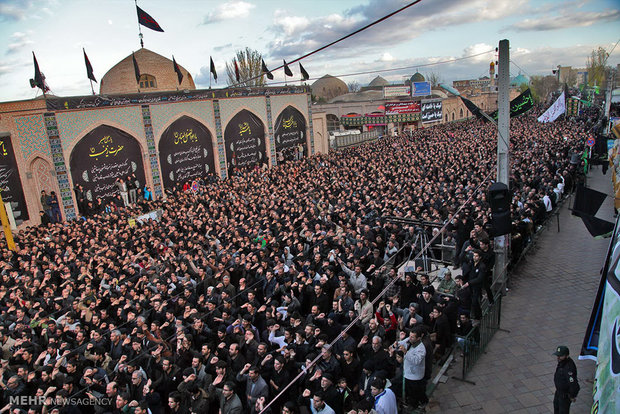 Gathering of the mourners in Ardebil