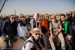 السياح الأجانب في مدينة يزد يحضرون مراسم العزاء الحسينية / صور