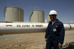 Iran's oil export reaches 2.1 mbd in March