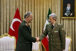 دیدار رئیس ستاد مشترک ارتش ترکیه با وزیر دفاع ایران