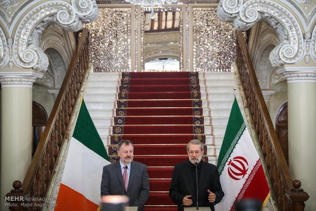 Larijani receives Irish top senator in Tehran