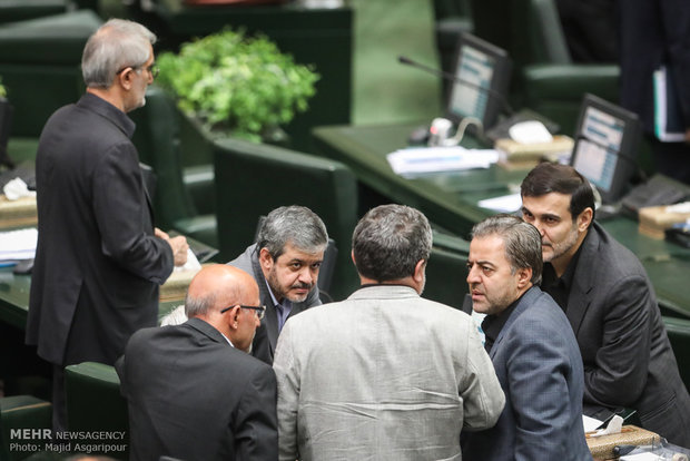 nterior Min. at Parliament to answer MPs' questions
