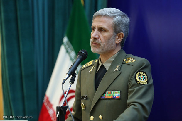Iran's defense min. departs for Moscow