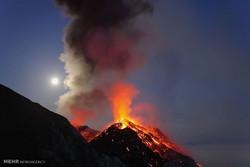 دنیا میں فعال آتشفشاں
