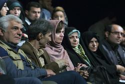 تئاتر «کوکوی کبوتران حرم»  گرفتاری های اجتماعی را بیان می کند