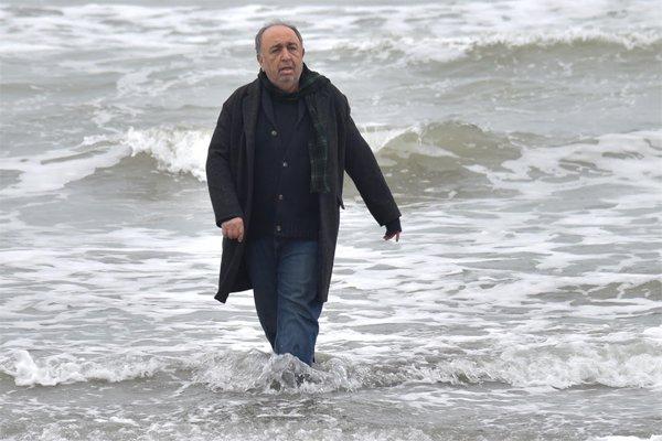 نام فیلم بهمن فرمانآرا تغییر کرد/«حکایت دریا» بهجای «دل دیوانه»