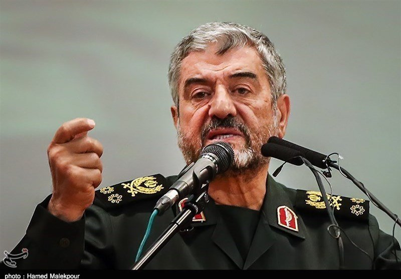 Teheran pledges crushing reply if Guards banned