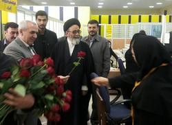 بازدید نماینده ولی فقیه در آذربایجان شرقی از اداره کل پست استان