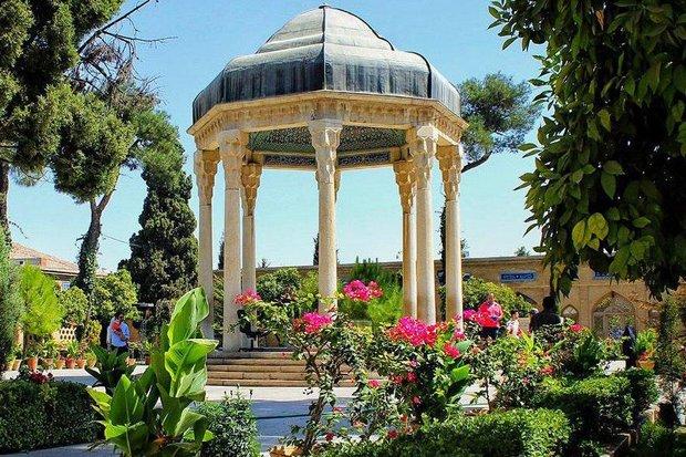 İran'ın tarih kenti Şiraz'da turistik mekanlar yeniden açılıyor