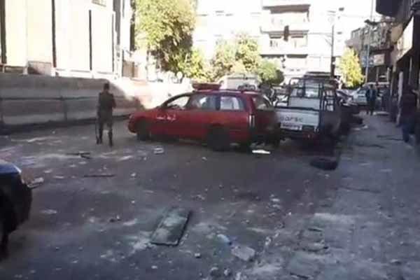 یورش عوامل انتحاری به مرکز پلیس دمشق/داعش بر عهده گرفت