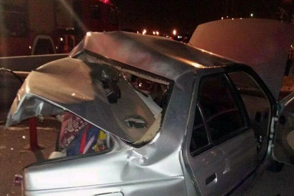 برخورد پژو ۴۰۵ با گاردریل در آزادراه تهران-قم جان یک نفر را گرفت