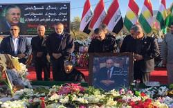 اللواء سليماني يزور قبر الراحل جلال الطالباني في السليمانية / صور