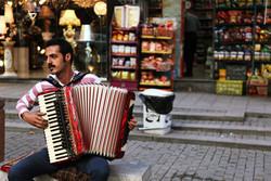 «والسی برای تهران» سراغ نوازنده قدیمی موسیقی خیابانی رفت