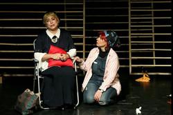 «آتن مسکو» به مساله مهاجرت میپردازد/ مشکلات سه خواهر روس