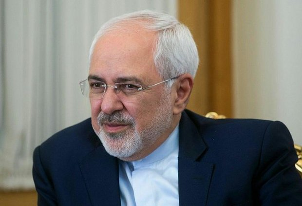Zarif holds phone talks with British, Russian FMs
