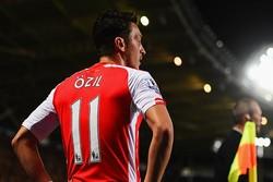 """Vodafone'dan Mesut Özil'e ambargo"" iddiası"