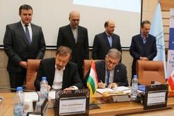 تفاهم نامه همکاری دانشگاه سمنان و مجارستان - کراپشده