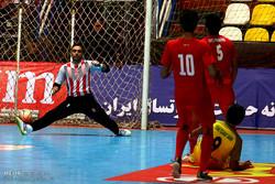 سرمربی تیم ملی فوتسال تماشاگر حساسترین بازی هفته هجدهم لیگ برتر