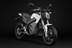 موتورسیکلت برقی با برد ۳۲۰ کیلومتر و زمان شارژ یک ساعت