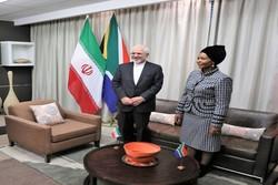 ظریف کی جنوبی افریقہ کی بین الاقوامی تعاون کی وزیر سے ملاقات