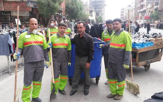 مهندسون من بلدية طهران يشارکون في حملات لتنظيف شوارع كربلاء لمدة شهر