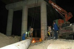 انتقال خط لوله آب در یاسوج