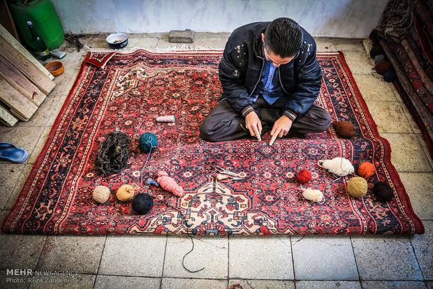 Hamedan's carpet market