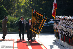 Official welcome for Iraqi PM in Tehran