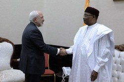 Zarif meets with Nigerian officials on last leg of Africa tour