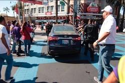 حمله با خودرو به تظاهرات کنندگان در ایالت کالیفرنیا