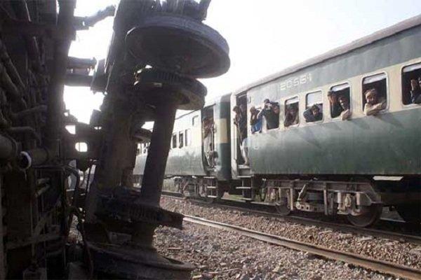 پاکستان میں مسافر ٹرینوں کا آپریشن 14 روز کے لیے بند کرنے کا فیصلہ