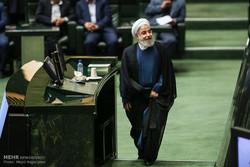 90 برلمانيا يقدمون طلبا للاستفسار من الرئيس روحاني حول سعر صرف العملة الاجنبية