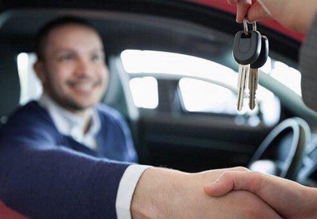 اسامی ۱۳ بنگاه مجاز به واردات و پیش فروش خودرو منتشر شد