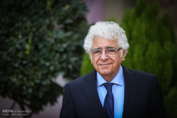 اهدا اثار لوریس چکناواریان به موزه موسیقی