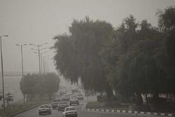 گرد و غبار آسمان قصرشیرین را فراگرفت/ کاهش دید افقی
