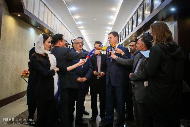 لقاء وزير الطاقة الروسي ووزير الاقتصاد الايراني