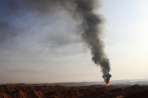 فوران نفت از بزرگراهی در بندرلنگه تکذیب شد