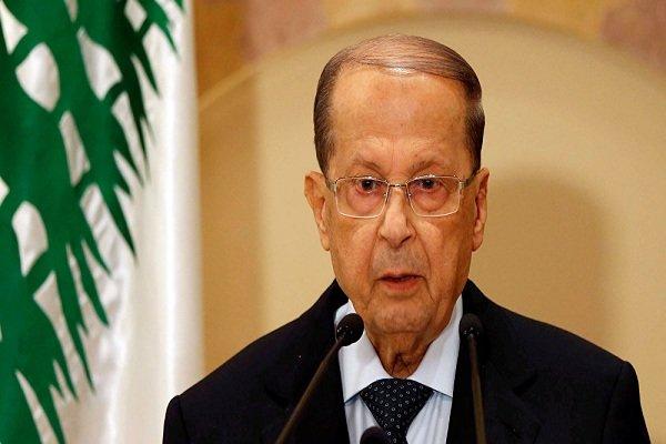 الرئيس اللبنانی يدعو السعودية لتوضيح اسباب منع الحريري من العودة
