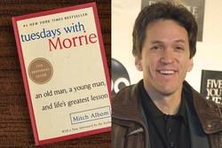 ۲۰ سالگی «سهشنبهها با موری»/ میچ آلبوم کتاب امضا میکند