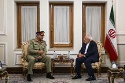 دیدار فرمانده ارتش پاکستان با وزیر خارجه