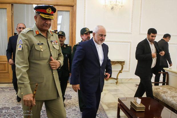 Zarif meets with Pakistan army chief
