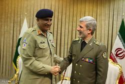 ديدار ژنرال قمرجاوید باجوا  فرمانده ارتش پاکستان با امیر سرتیپ حاتمی وزیر دفاع و پشتیبانی نیروهای مسلح